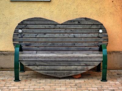 bench-847026_1280